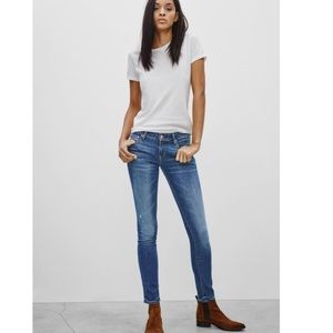 Aritzia The Castings Mid-Rise Vintage Wash Skinny